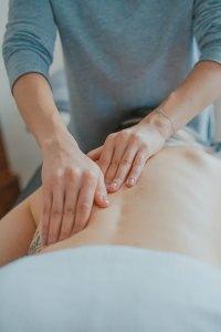 Massage - toa-heftiba-578093-unsplash